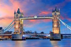 Londres - puente de la torre, Reino Unido imagen de archivo