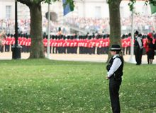Londres, R-U 6 juillet, soldat de la garde royale, le 6 juillet 2015 à Londres Photos stock