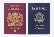 Londres, R-U - 28 mai 2019 - britannique et passeports des USA, d'isolement sur un fond blanc image stock