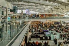 LONDRES, R-U - 7 MARS 2017 : Aéroport de Heathrow, terminal 5, Images stock