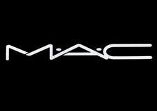 LONDRES, R-U - 15 MARS 2017 : Police blanche de logo de MAC Cosmetics sur le noir MAC Cosmetics a été fondé à Toronto, Ontario, C illustration libre de droits