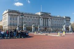 Londres, R-U - vers en mars 2012 : Buckingham Palace à Londres Images libres de droits
