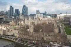 Londres, R-U - vers en mars 2012 : Vue de tour et de ville de Londres Photographie stock libre de droits