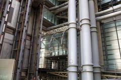 LONDRES, REINO UNIDO - 24 DE ABRIL DE 2014: Ciudad de Londres uno de los centros principales de las finanzas globales, jefaturas  Imágenes de archivo libres de regalías