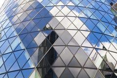 LONDRES, REINO UNIDO - 24 DE ABRIL DE 2014: Edificio del pepinillo Fotografía de archivo libre de regalías