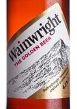LONDRES, REINO UNIDO - 10 DE ENERO DE 2018: Embotelle la etiqueta de la cerveza de oro de Wainwright en blanco Fotos de archivo libres de regalías