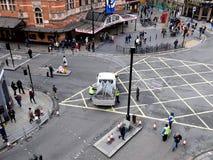 LONDRES, REINO UNIDO - 14 DE FEVEREIRO DE 2016: Removendo as barreiras do esmagamento após a paridade Imagens de Stock Royalty Free
