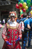 LONDRES, REINO UNIDO - 29 DE JUNIO: Participante en el orgullo gay que presenta para el pi Imagen de archivo libre de regalías