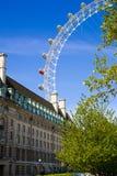 LONDRES, Reino Unido - 14 de mayo de 2014 - ojo de Londres es una noria gigante abierta Fotografía de archivo libre de regalías