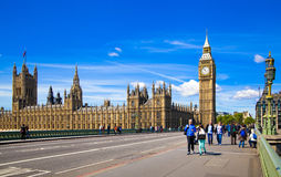 LONDRES, Reino Unido - 14 de mayo de 2014 - ojo de Londres es una noria gigante abierta Imágenes de archivo libres de regalías