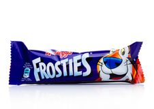 LONDRES, Reino Unido - 17 de noviembre de 2017: La barra del cereal de desayuno del ` s Frosties de Kellogg en el blanco, Frostie Fotos de archivo