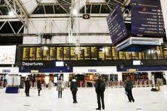 Vista interior de la estación de Londres Waterloo Imagen de archivo