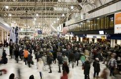 Vista interior de la estación de Londres Waterloo Imagenes de archivo