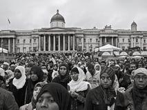 Londres, Reino Unido - 28 de outubro de 2006: O milhares de pessoas de todas as culturas juntou-se junto para Eid Festival anual fotografia de stock royalty free