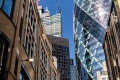 Londres, Reino Unido - 2 de septiembre de 2018: 30 St Mary Axe aka el rascacielos de Gerkin en la ciudad de Londres foto de archivo libre de regalías