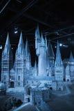 Londres, Reino Unido Escola de Hogwarts da feitiçaria e da feitiçaria, modelo contra do fundo preto Fotografia de Stock Royalty Free