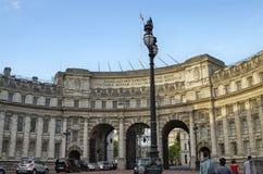 Londres, Reino Unido, junio de 2018 Arco del Ministerio de marina imágenes de archivo libres de regalías