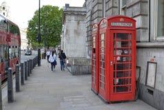 Londres, Reino Unido, o 14 de junho de 2018 Cabine de telefone de Londres fotografia de stock
