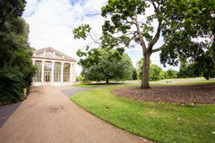 28 07 2015, LONDRES, Reino Unido, vista dos jardins de Kew Fotografia de Stock Royalty Free