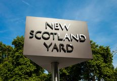 LONDRES, ROYAUME-UNI - 28 août 2017 - le nouveau signe de Scotland Yard pour les sièges sociaux de la police métropolitaine Image stock