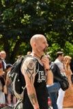 24/06/2018 Londres Royaume-Uni Type avec les tatouages et la barbe Photo libre de droits