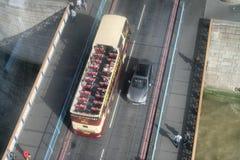 LONDRES - 25 SEPTEMBRE 2016 : Vue aérienne aérienne d'autobus de touristes T Images stock