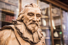 Londres Sir Robert Bruce Cotton Escultura do museu britânico da galeria da iluminação fotos de stock
