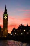 Londres. Torre de pulso de disparo de Ben grande. Fotos de Stock Royalty Free