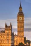 Londres - tour et abbaye d'horloge de tour de grand Ben Image stock