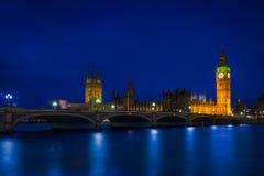 Londres y hora azul Imagen de archivo libre de regalías