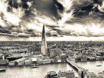 Londyńska linia horyzontu wzdłuż rzecznego Thames, widok z lotu ptaka Fotografia Royalty Free
