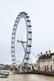 Londyński Ferris koło Hall i okręg administracyjny Fotografia Royalty Free