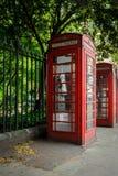 Londyński miasto, Anglia/: Telefoniczny budka blisko Russell kwadrata w wiośnie fotografia royalty free