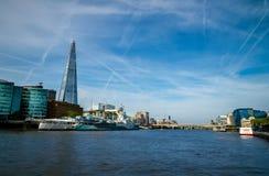 Londyński miasto, Anglia/: Widok na linia horyzontu Thames i rzece obraz royalty free