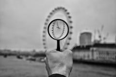 Londyński oko nad powiększać - szkło zdjęcia stock