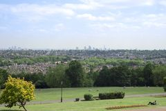 Londyński pejzaż miejski od Alexandra pałac obraz royalty free