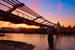Londyńska milenium mosta linia horyzontu UK Obrazy Royalty Free