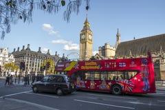 Londyńska ulica i ruch drogowy Obraz Royalty Free