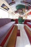 Londyński autobus w Belluno, podczas Bitelsi dni Zdjęcie Royalty Free
