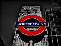 Londyński metro przy Kanarowym Warf Obrazy Stock
