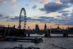 Londyński oko i Big Ben przy zmierzchem Obraz Stock