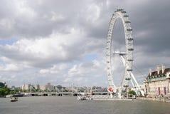 Londyński oko na Thames rzece obraz stock