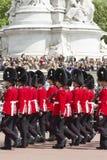Londyn Anglia, Czerwiec, - 01, 2015: Brytyjscy Królewscy strażnicy wykonują th Fotografia Stock