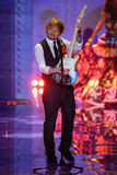LONDYN ANGLIA, GRUDZIEŃ, - 02: Ed Sheeran wykonuje na pasie startowym przy rocznym Victoria's Secret pokazem mody Zdjęcia Stock
