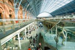 LONDYN ANGLIA, LIPIEC, - 05, 2015: St Pancras stacja Obrazy Stock