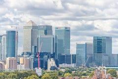 LONDYN ANGLIA, SIERPIEŃ, - 21, 2016: Greenwich Parkowy i Rzeczny Thames, Canary Wharf budynku pejzaż miejski wybrzeża krajobrazu  Obrazy Royalty Free