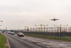 LONDYN ANGLIA, WRZESIEŃ, - 25, 2017: British Airways linie lotnicze Aerobus A380 G-XLEL bierze daleko w Londyńskim Heathrow zawod Zdjęcia Royalty Free
