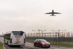 LONDYN ANGLIA, WRZESIEŃ, - 25, 2017: British Airways linie lotnicze Aerobus A380 G-XLEL bierze daleko w Londyńskim Heathrow zawod Fotografia Stock