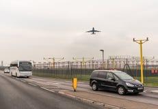 LONDYN ANGLIA, WRZESIEŃ, - 25, 2017: British Airways linie lotnicze Boeing 747 G-CIVG bierze daleko w Londyńskim Heathrow zawody  Zdjęcie Stock