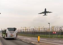 LONDYN ANGLIA, WRZESIEŃ, - 25, 2017: British Airways linie lotnicze Boeing 747 G-CIVJ bierze daleko w Londyńskim Heathrow zawody  Zdjęcia Royalty Free